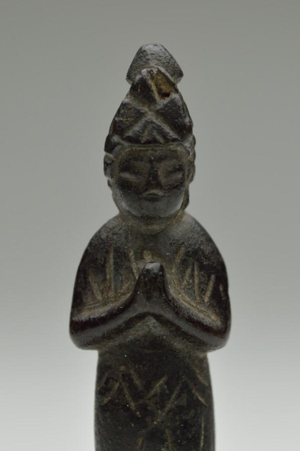 銅造菩薩立像