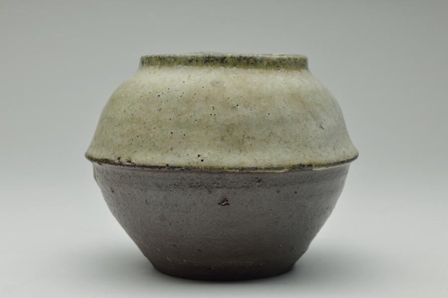 白岩 小壷